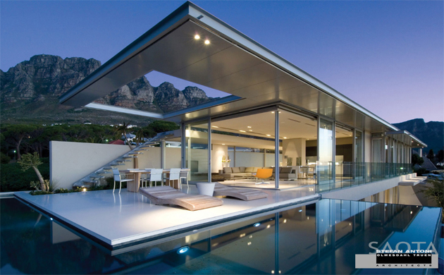 The First Crescent House in Camps Bay by Saota
