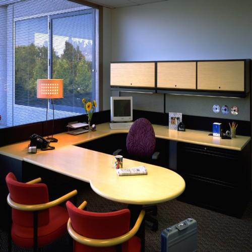 10 Stylish Modern Office Interior Decorating Ideas