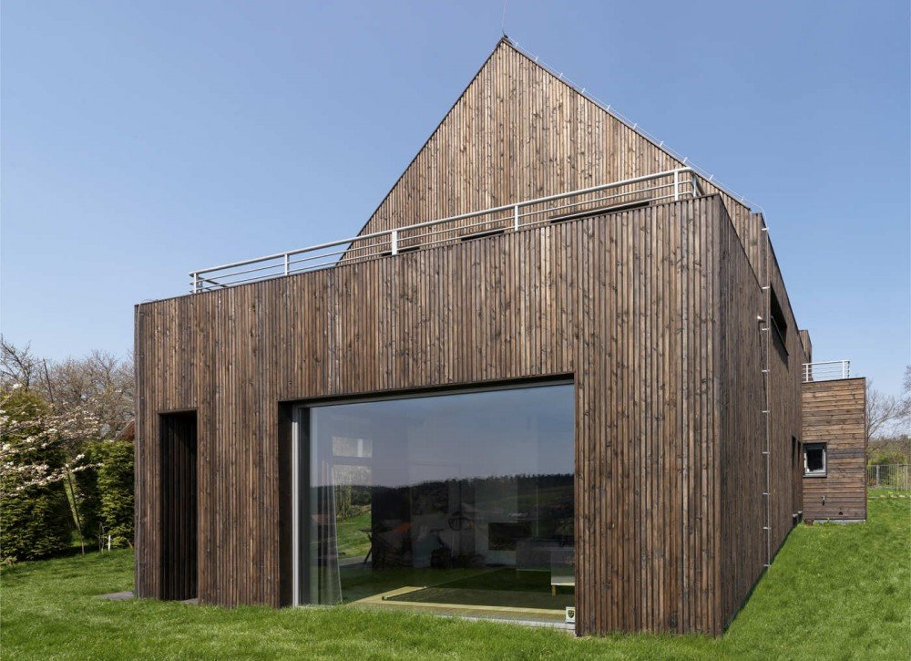 Modern Single Family House in Poland by Wizja Architects