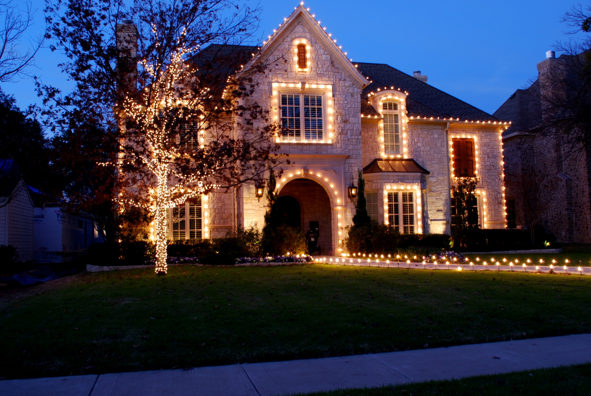 Stylish Christmas Decorating Ideas For Indoor And Outdoor