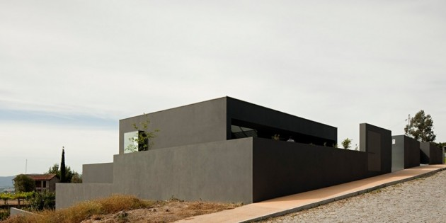 modern-house-by-sequeira-architects-2