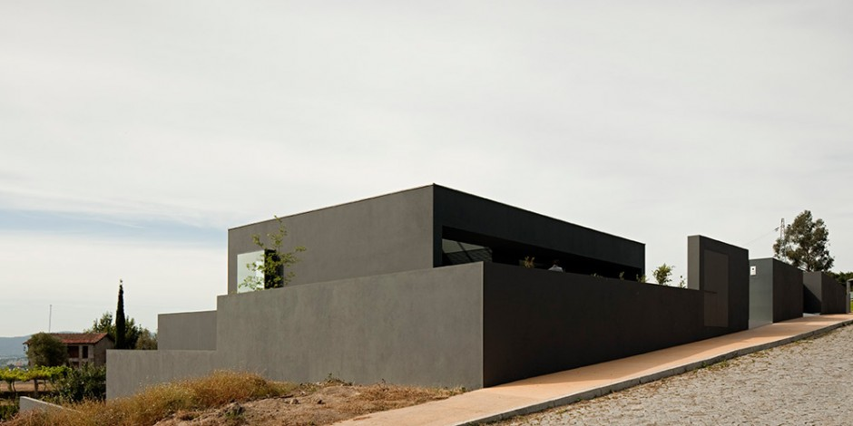 modern house in portugal by sequeira architects nimvo