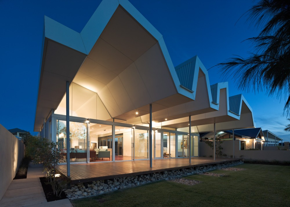 Beach House in Florida by Iredale Pedersen Hook Architects