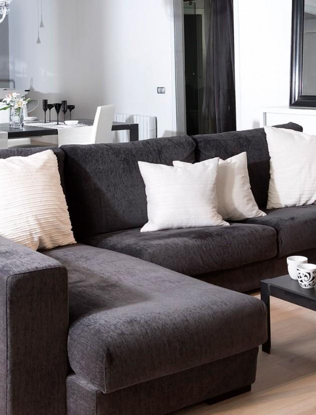 Astonishing 5 Modern Black White Apartments With Amazing Interior Designs Beatyapartments Chair Design Images Beatyapartmentscom