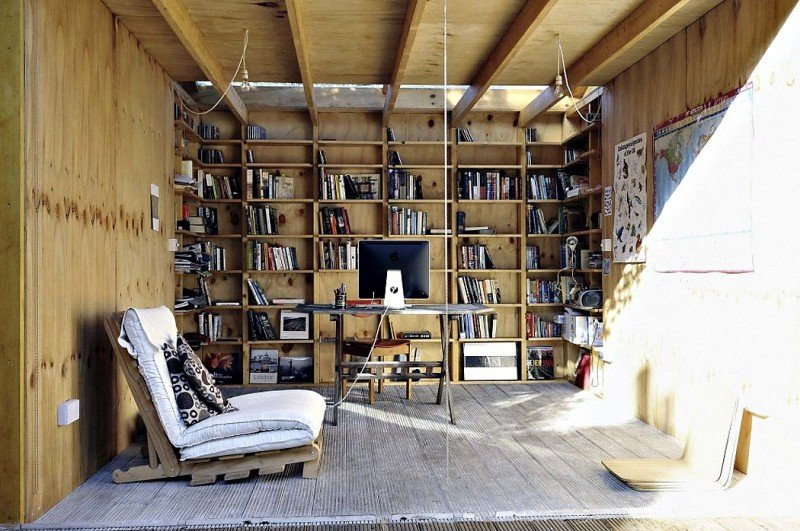 Whimsical shed work space by office sian architecture 2 for Home arredamento