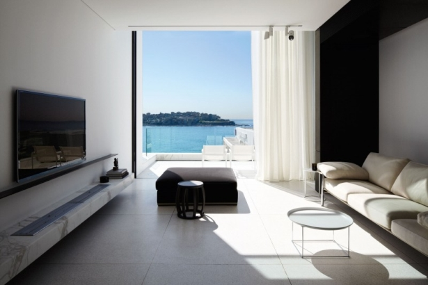 Perfect Black And White Contrast House In Bondi Beach, Australia