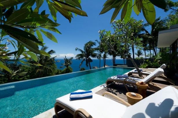 The Sunny Holiday Villa Malimbu Cliff In Indonesia