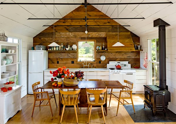 Rustic Feeling From The Tiny House On Sauvie Island