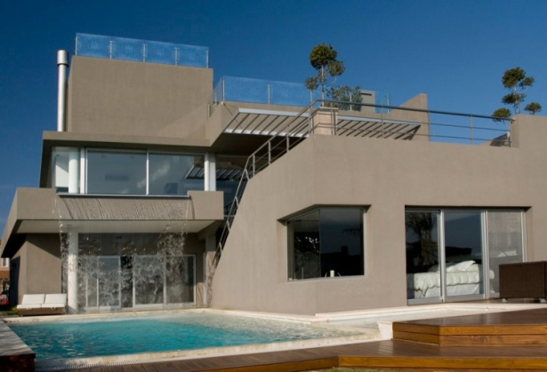 The Waterfall House Gathers Contemporary And Masculine Elements