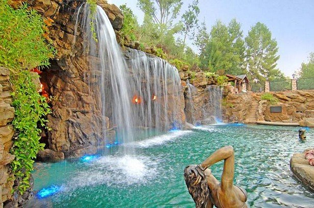 Luxury feels like a fantastic pool with a waterfall for Beautiful swimming pools with waterfalls