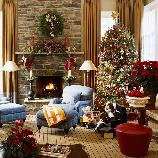 Giving A Festive Look To Your Fireplace: 20 Lovely Christmas Mantels