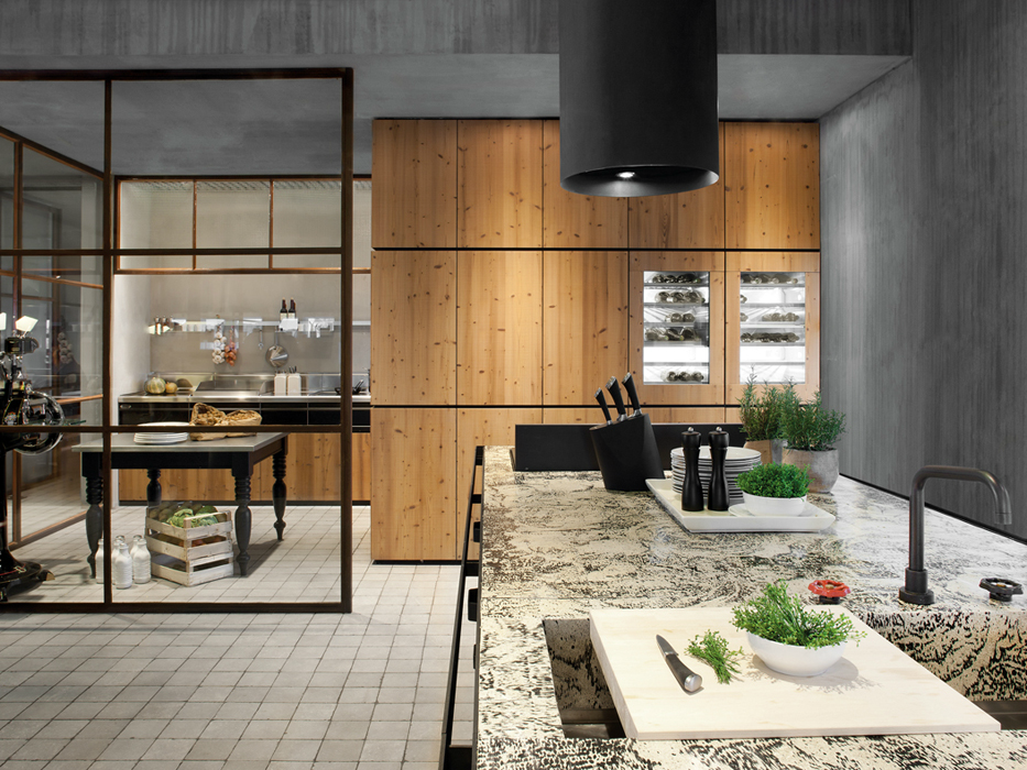 Natural Skin Kitchen By Minacciolo Combines Knotty Pine Wood With Metal