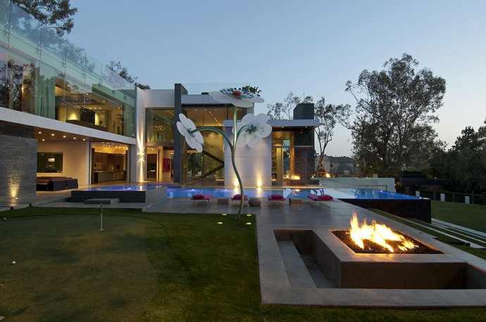 Beverly Hills House With A Bowling Alley Inside