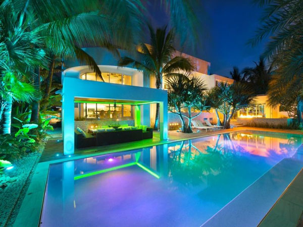 Unique Residence In Key Biscayne