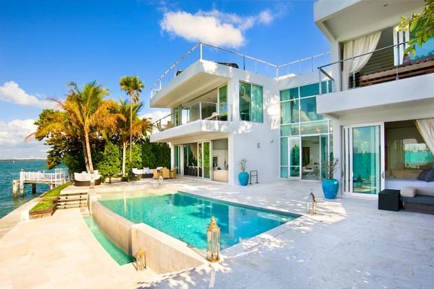 Villa Valentina – Luxury Rental Right On The Miami Beach