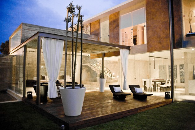 Gorgeous Ita House Comes With A Fresh Mexican Flair
