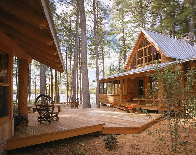 Rustic Retreat On A Lakeside – Maine Camp by Whitten Architects
