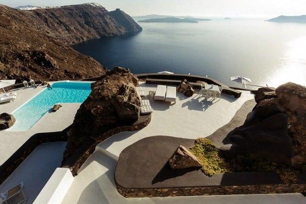 10 Amazing Swimming Pools