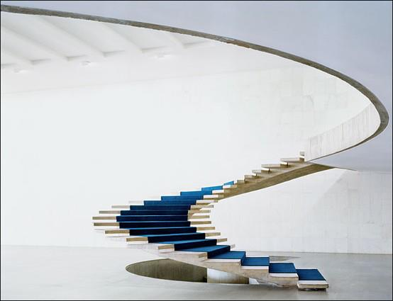 35 Staircases That Make A Statement In Every Home
