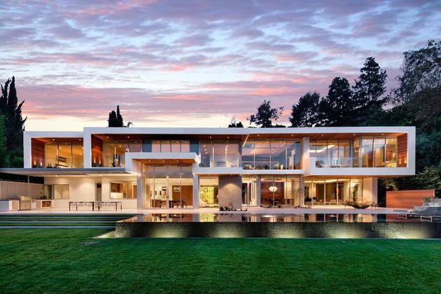 1232 Sunset Plaza Displaying Sophisticated Luxury