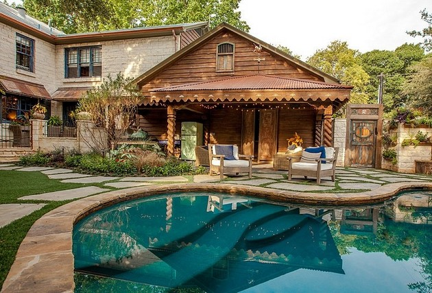 Caruth Home At The Edge Between Classic, Rustic And Old