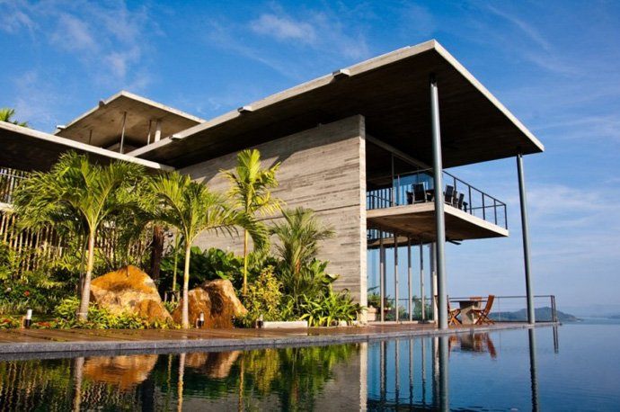 Villa In Ao Po With Fantastic Terraces Overlooking The Bay