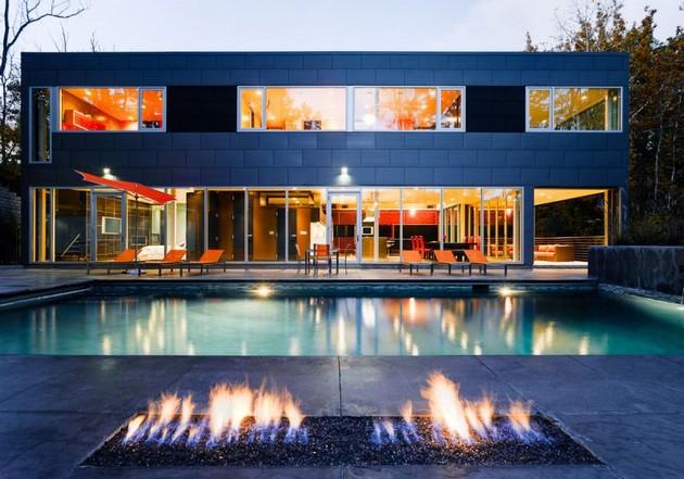 Sleek And Elegant Zinc House
