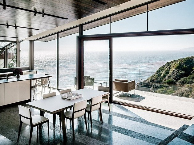Fall House Sits At 250 Feet Above The Pacific Ocean