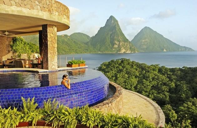 Jade-Mountain-Resort-2