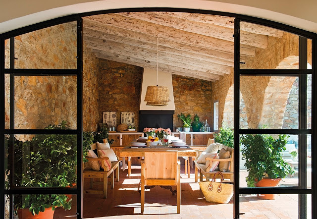 Mediterranean House Preserving The 18th Century Rustic Feeling