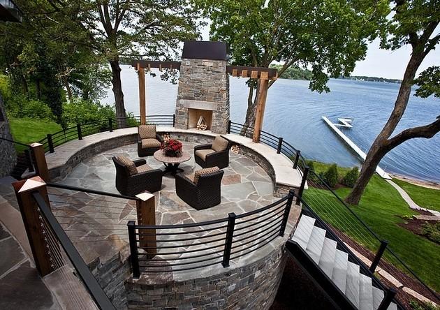 Big Imposing Mountain Residence By Eskuche Associates