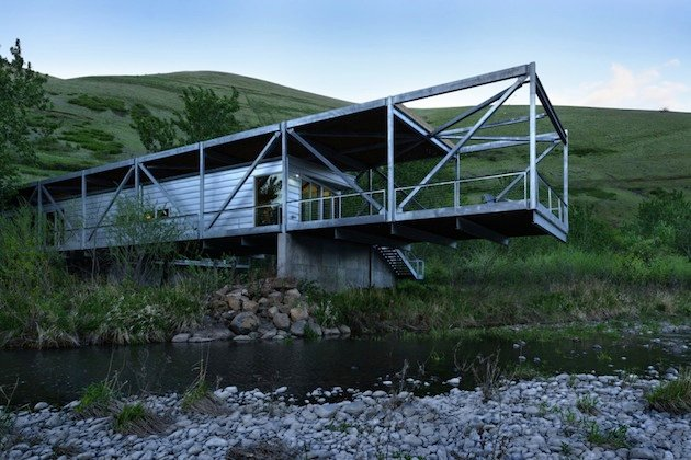 Residence On The Potlatch River In Idaho