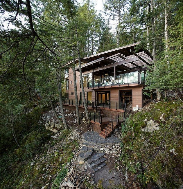 Amazing Home In The Woods