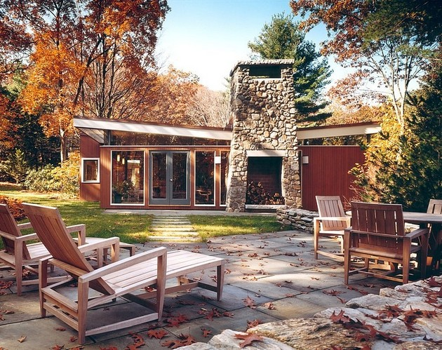 Autumn Reflected By The Stunning Lexington Residence