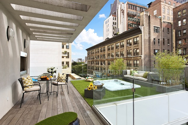 New York Penthouse With Gorgeous Rooftop Terrace