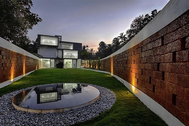 The Running Wall Residence Looks Absolutely Stunning