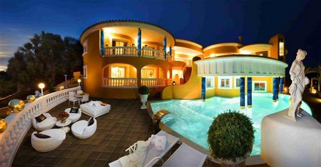 Villa Colani Or The 24 Carat Gold House