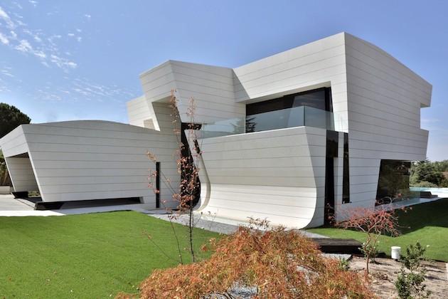 The Balcony House, Futuristic And Stylish