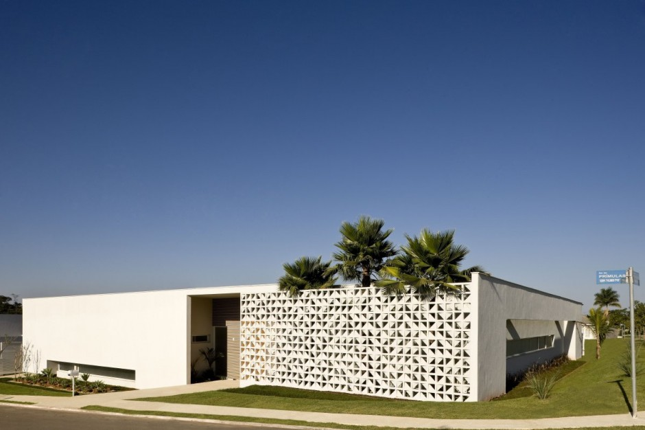 Privacy Surrounded By Style: Casa Do Patio From Brazil
