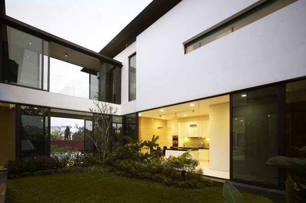 Harmony Between Man And Nature At The Berrima House