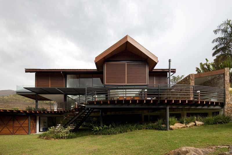House-In-The-Hills-2