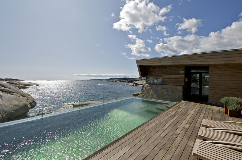 The Summer House Vestfold 2 Loses Itself On The Rocky Shore