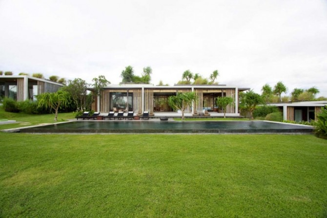The Tantangan Villa From Indonesia Brings Heaven On Earth
