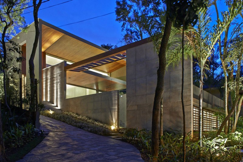 The Bosque Da Ribeira Residence Holds A Harmonious Relationship With Its Surroundings