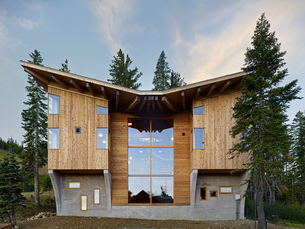 """Californian Vacation Home """"Crow's Nest"""" Offers Elegance, Style And Some Amazing Views"""