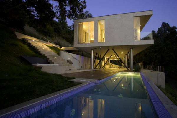 A Stunning Architectural Piece By Heusch Architecture: The Oakpass Residence