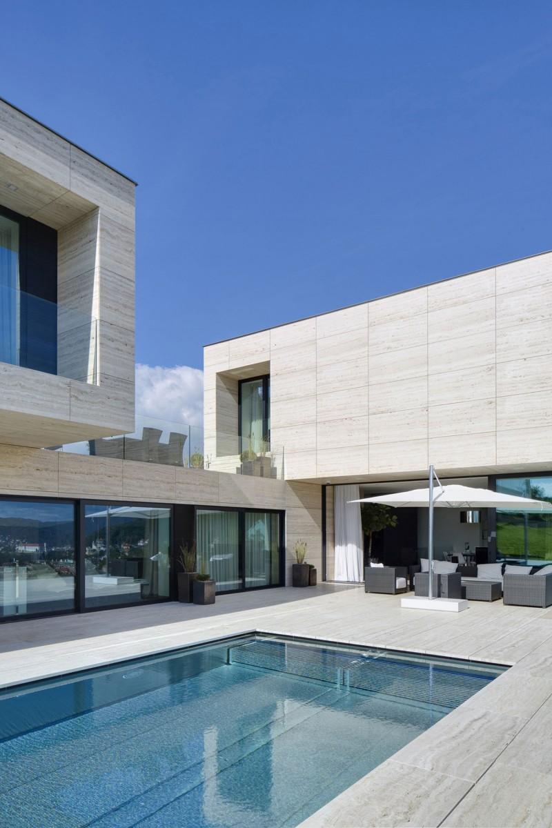 A Beautiful Piece Of Architecture By Studio Pha: Villa In Děčín