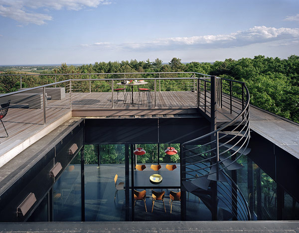 An Impressive Project Defined By Glass: The Water Mill House By 1100 Architects