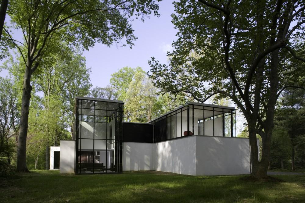 Black-White-Residence-2