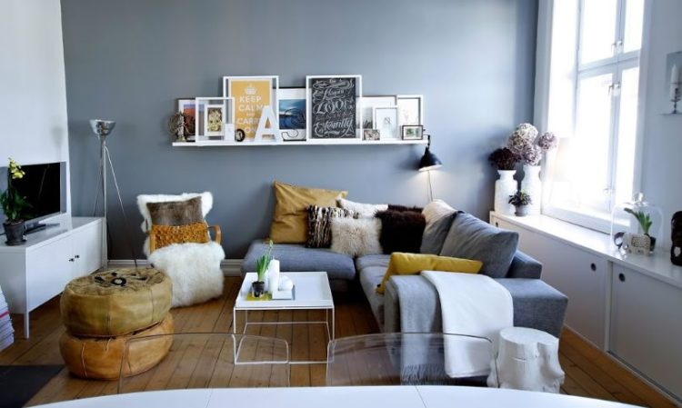 How To Decorate Small Sitting Room